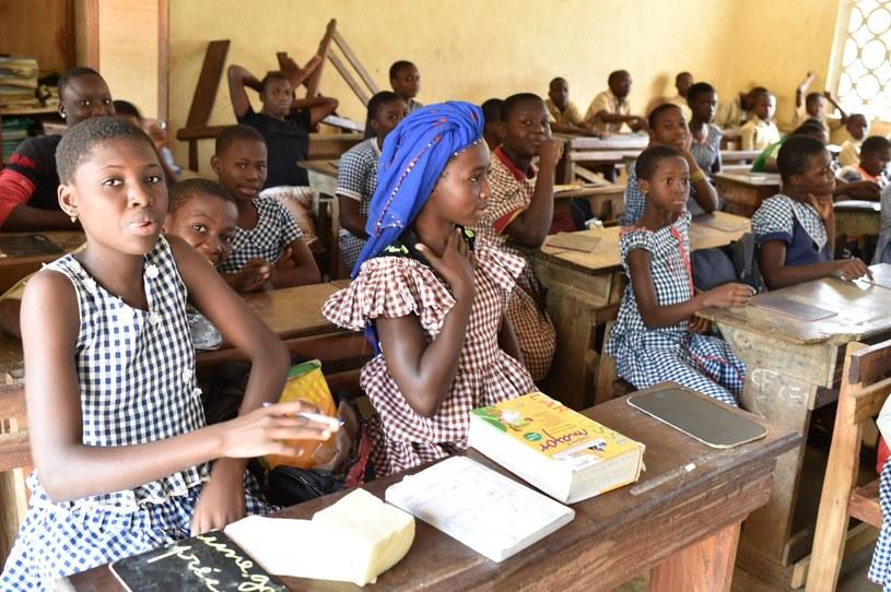 Innowacyjne rozwiązania pomogły zmienić życie milionów dzieci na świecie /ISSOUF SANOGO /AFP