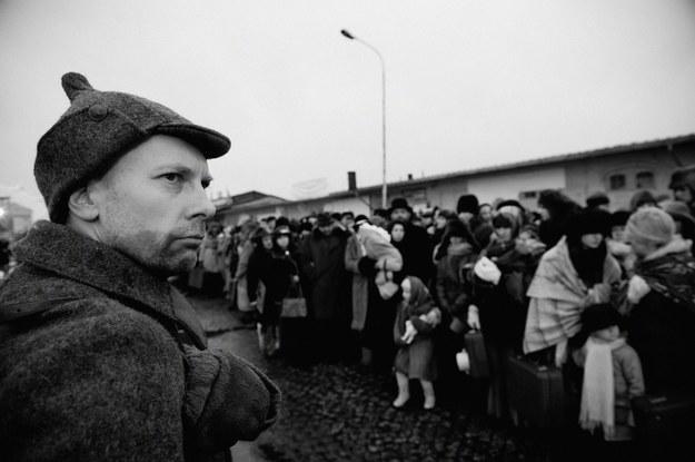 Inscenizacja wysiedleń Polaków w głąb Sowietów /Marek Krasowski /Reporter