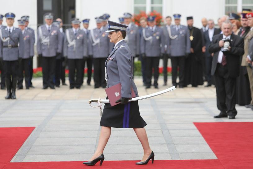 Inspektor Irena Doroszkiewicz (C) odebrała nominację generalską, podczas uroczystości w Warszawie, w ramach centralnych obchodów Święta Policji /Leszek Szymański /PAP
