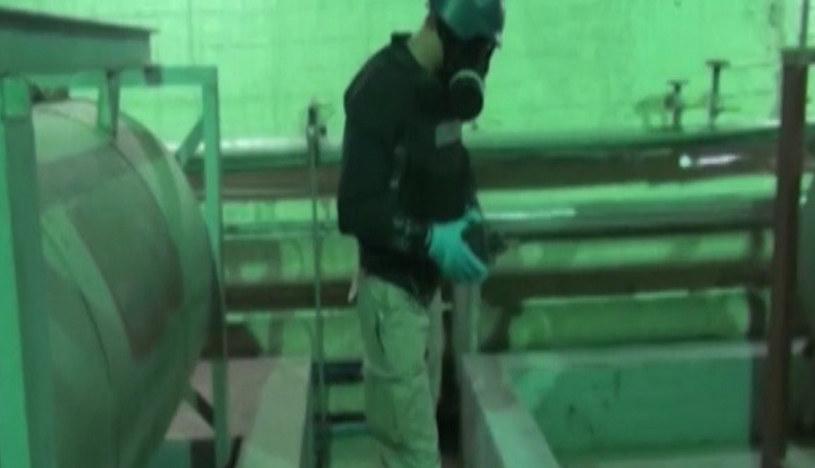 Inspektor Organizacji ds. Zakazu Broni Chemicznej przy pracy w Syrii /AFP