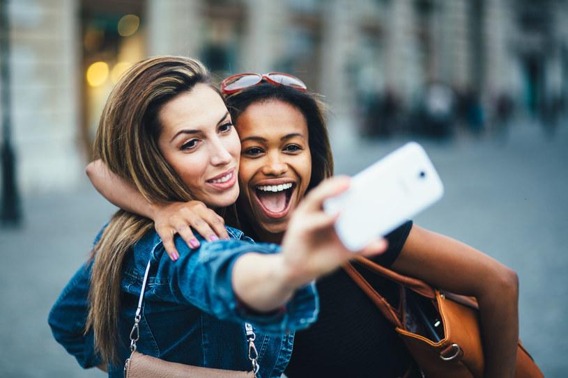 Instagram face - makijaż tego typu pięknie wygląda na zdjęciach /123RF/PICSEL
