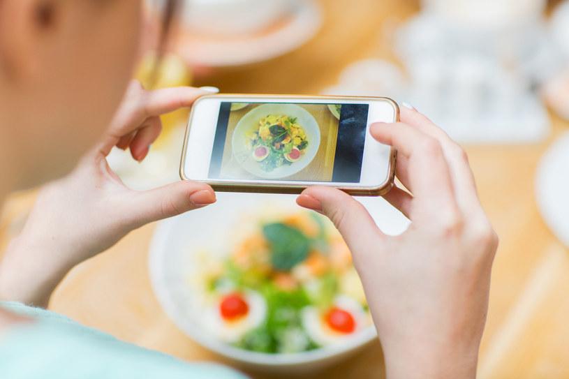 Instagram i Snapchat oceniono najgorzej, jeśli chodzi o ich wpływ na zdrowie psychiczne i dobre samopoczucie /123RF/PICSEL