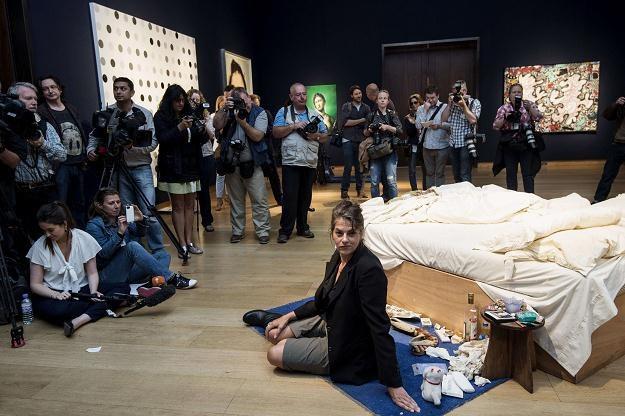 """Instalacja """"My Bed"""" brytyjskiej artystki Tracey Emin została sprzedana za 2,2 mln funtów /AFP"""