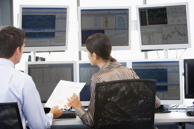 Instytucje finansowe coraz częściej sięgają po automatyczne systemy służące do zawierania transakcji /© Panthermedia
