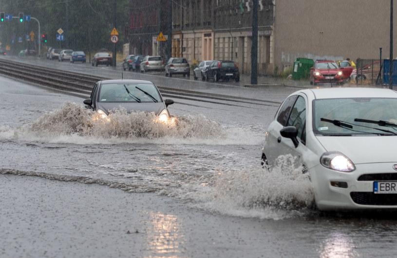 Instytut Meteorologii i Gospodarki Wodnej ostrzega przed anomaliami pogodowymi / Andrzej Grygiel    /PAP