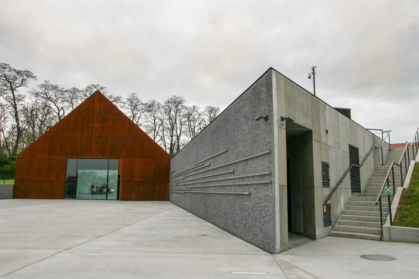 """Instytut obawia się, że muzeum w Markowej to próba ukazania Polaków jako """"narodu wybawców"""" /Ewa Olow /Reporter"""