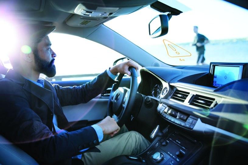 Intel powołał Radę ds. Kontroli Bezpieczeństwa Samochodów /materiały prasowe