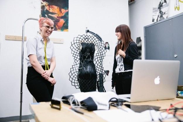 Inteligentna sukienka /materiały prasowe