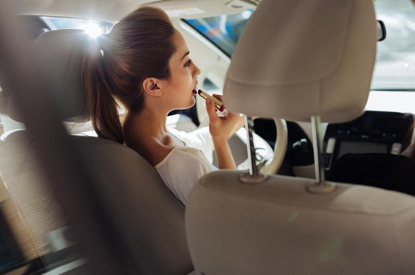 Inteligentny system kontroli prędkości podniesie ceny polis /123RF/PICSEL