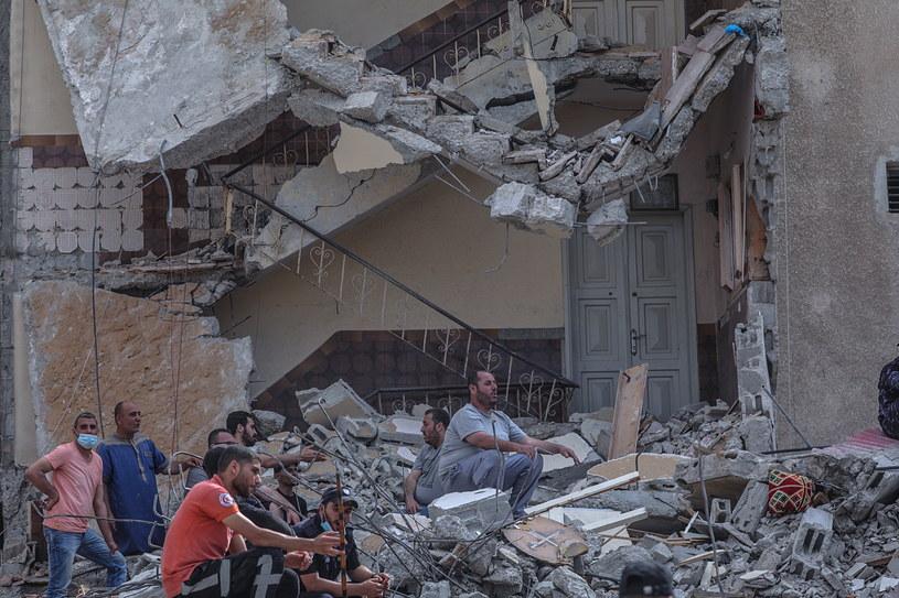 Intensywne ataki lotnictwa izraelskiego na Strefę Gazy /PAP/EPA/MOHAMMED SABER /PAP