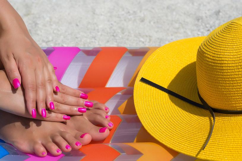 Intensywne kolory manicure na lato? To już niemodne /123RF/PICSEL