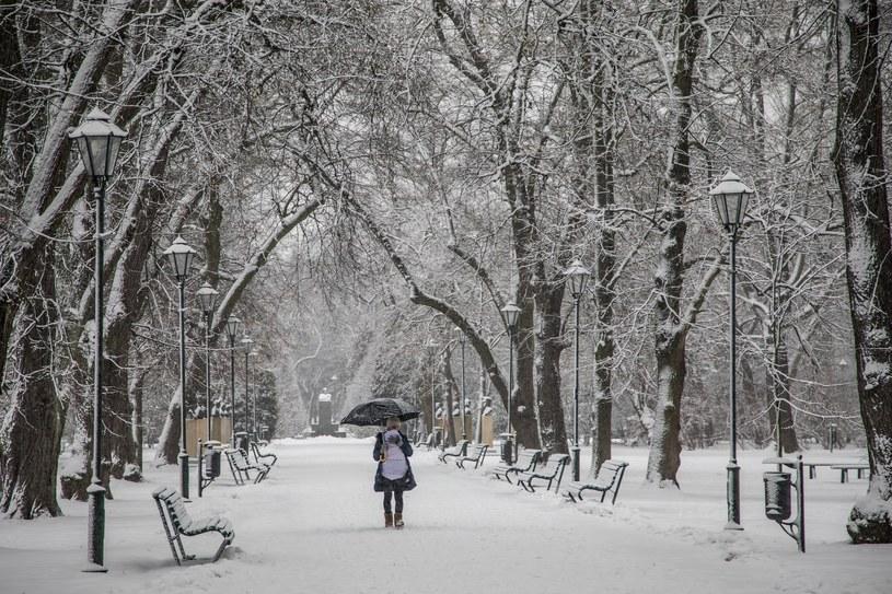 Intensywne opady śniegu spodziewane są na południu Polski /Jan Graczyński /East News