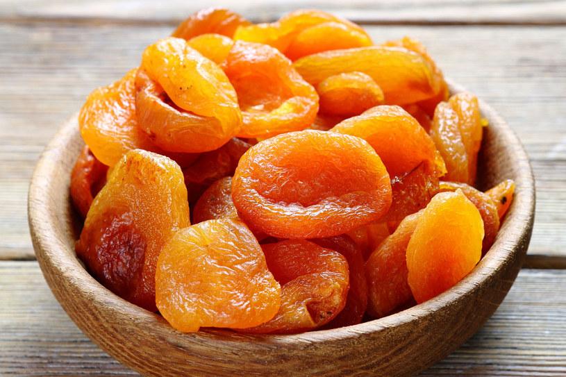 Intensywnie pomarańczowe morele kolor zawdzięczają... siarce /123RF/PICSEL