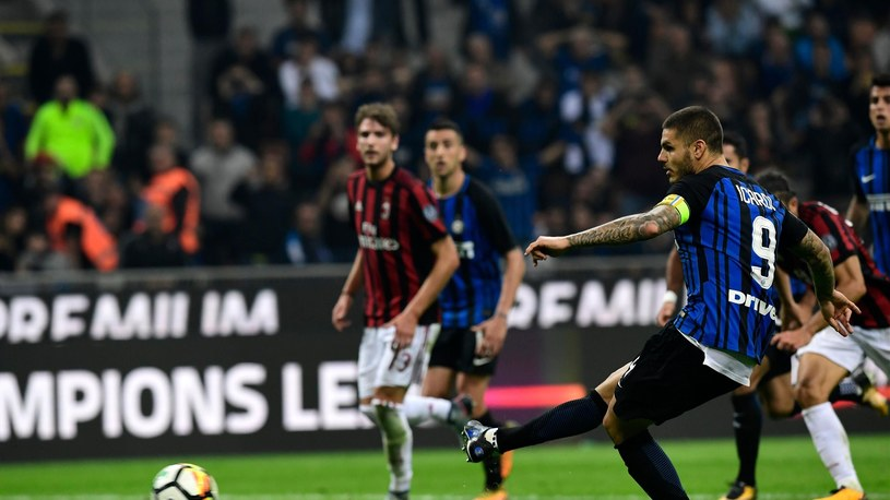 Inter Milan's Captain Argentinian forward Mauro Icardi kicks and score a penalty during the Italian Serie A football match Inter Milan Vs AC Milan on October 15, 2017 at the 'San Siro Stadium' in Milan. /Getty Images