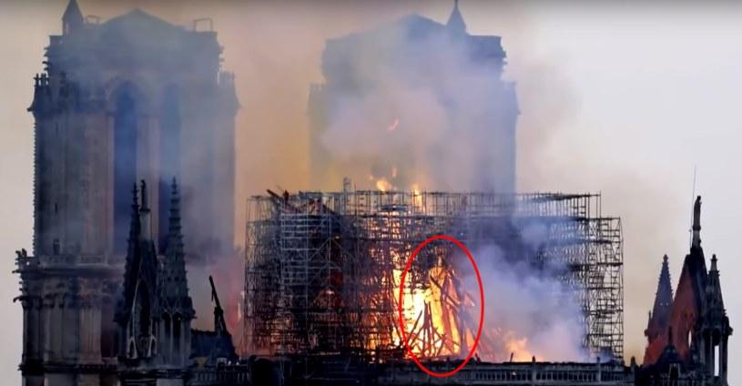 Internauci doszukują się figury Jezusa na zdjęciach pożaru katedry Notre Dame. Czy można faktycznie mówić o objawieniach? /YouTube