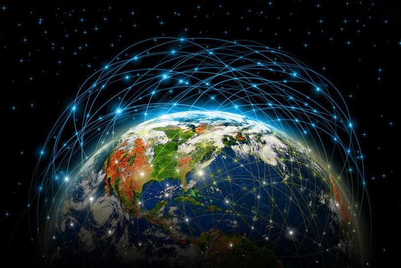 Internet się rozrasta w niewyobrażalny wcześniej sposób /123RF/PICSEL