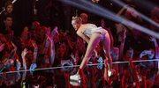 Internet śmieje się z występu Miley Cyrus na gali VMA