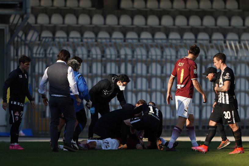 Interwencja lekarzy po utracie przytomności Patryka Dziczka /Danilo Di Giovanni /Getty Images