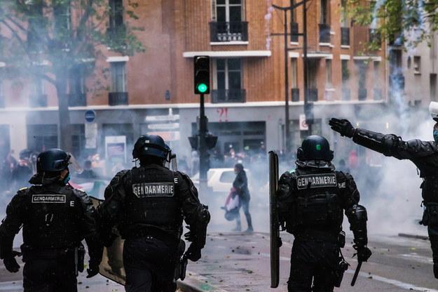 Interwencja policji w Paryżu /Christophe Petit-Tesson /PAP/EPA