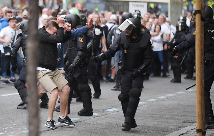 Interwencja policji wobec kibiców Legii Warszawa w okolicy stadionu Santiago Bernabéu /Bartłomiej Zborowski /PAP