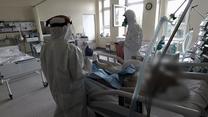 """""""Interwencja"""" Polsatu: Wstrząsająca relacja ozdrowieńca. Noc w karetce, jęki na oddziałach"""