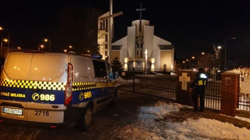 Interwencja Straży Miejskiej w kościele na Gocławiu /Warszawska Straż Miejska /Twitter