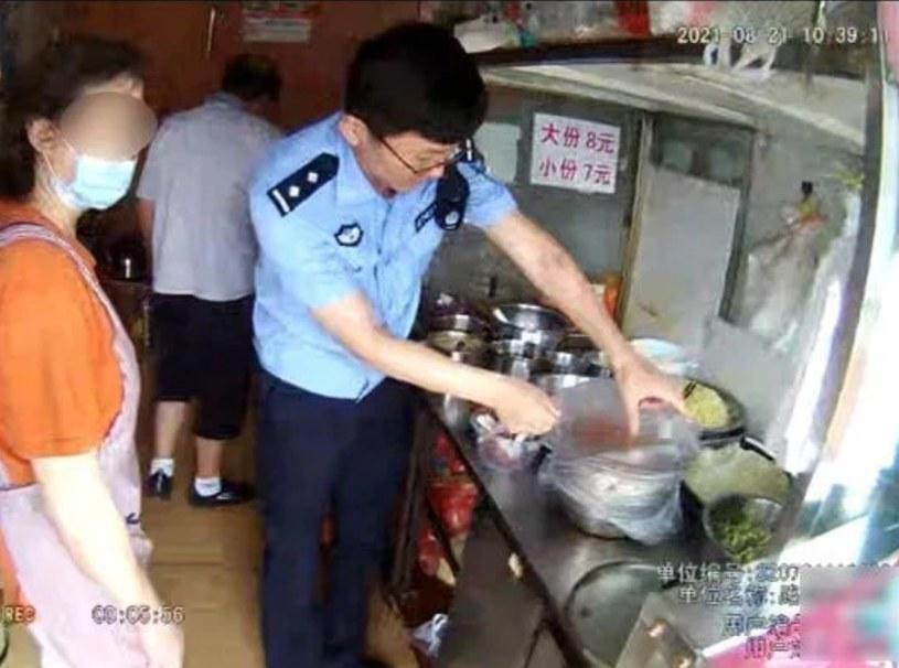 Interwencja w lokalu kucharza /Lianyungang Haizhou Police /