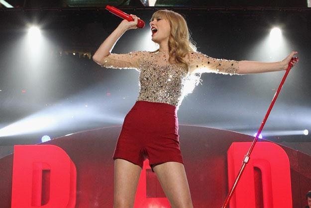 Intruz chciał złożyć Taylor Swift życzenia urodzinowe? fot. Kevin Kane /Getty Images/Flash Press Media
