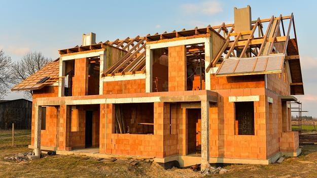 Inwestor może skorzystać z prawa do legalizacji samowoli budowlanej? /©123RF/PICSEL