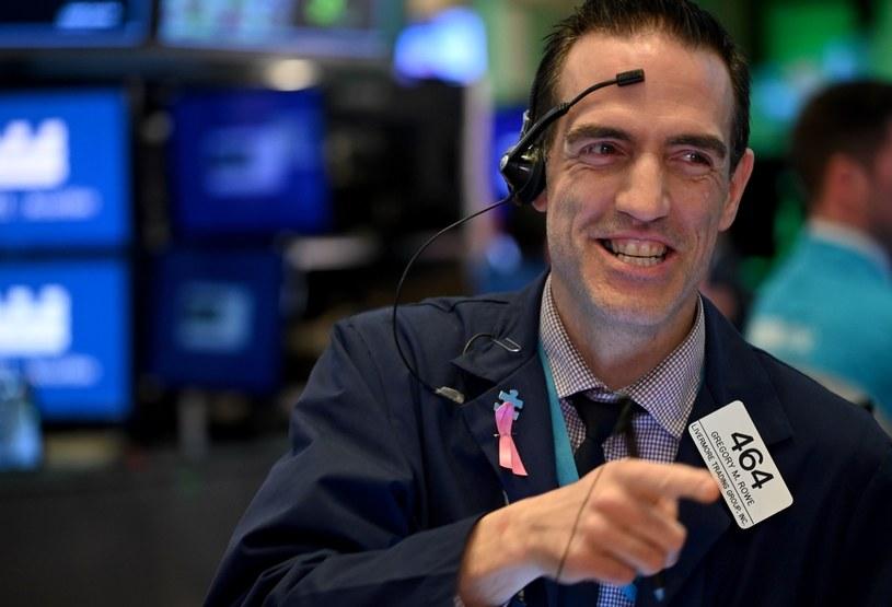 Inwestorzy boją się inflacji i dewaluacji amerykańskiego dolara /AFP