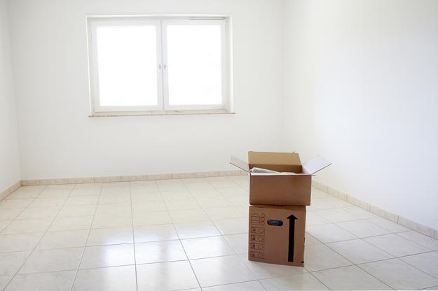 Inwestycja w mieszkanie na wynajem da kilkakrotnie wyższą stopę zwrotu niż lokata /© Panthermedia