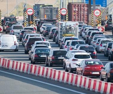 Inwigilacja kierowców? Tłumaczymy, o co chodzi z opłatami na autostradach!