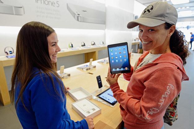 iPad mini cieszy się ogromną popularnością /AFP