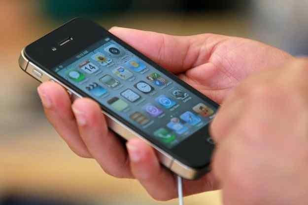 iPhone 4S- rok 2011 z pewnością będzie należał do niego. /AFP
