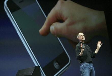 iPhone i jego innowacyjny interfejs /AFP