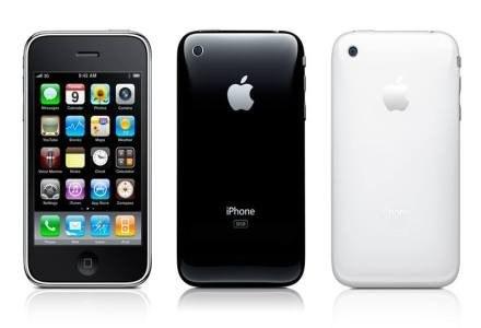 iPhone - wygląd ogólny. Telefon z zewnątrz nie zmienił się wiele. W wewnątrz też. /materiały prasowe