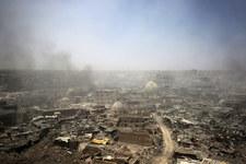 Irak: Trzy rakiety spadły na bazę lotniczą