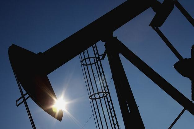 Iran może ograniczyć dostawy ropy do m.in. Holandii, Czech i Belgii /© Panthermedia