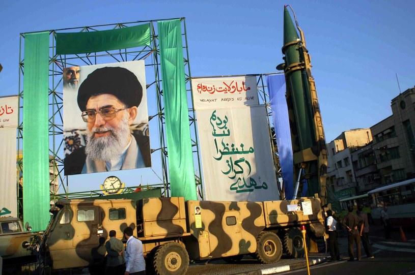 Iran przeprowadza ćwiczenia i testuje nowe pociski oraz systemy radarowe /East News