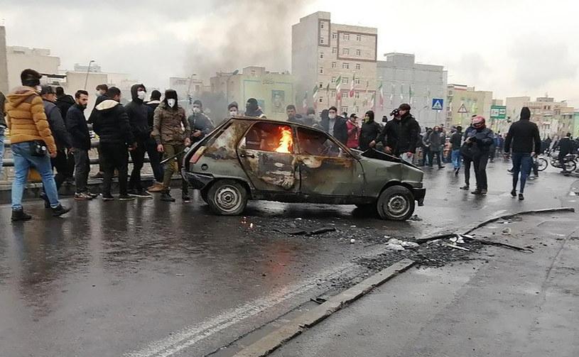 Iran: Trwają protesty po podwyżce cen benzyny /AFP