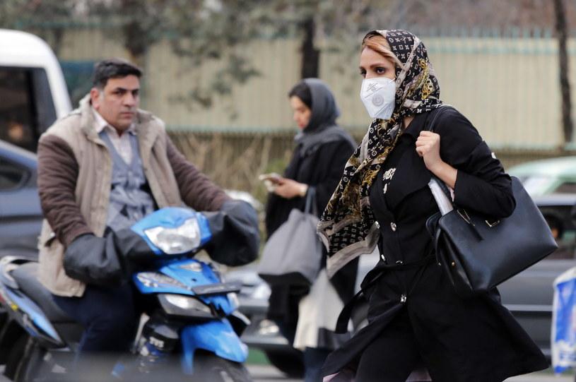 Iran walczy z epidemią od 19 lutego, kiedy potwierdzono dwie pierwsze śmiertelne koronawirusa; Zdj. ilustracyjne /EPA/ABEDIN TAHERKENAREH /PAP
