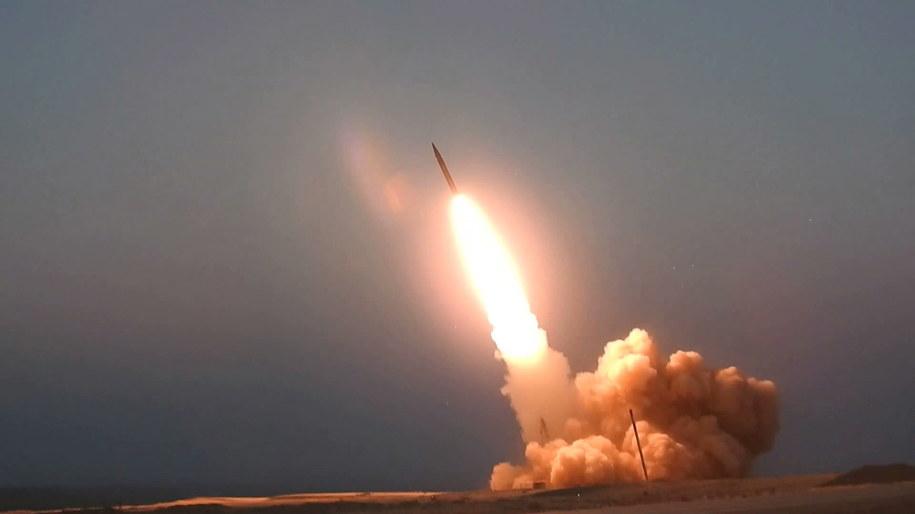 Iran zaprezentował nowe rakiety średniego zasięgu /PAP/EPA/IRAN DEFENCE MINISTRY HANDOUT /PAP/EPA