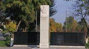 """Irańscy celnicy """"zatrzymali"""" polskie pomniki. Mają one upamiętnić armię Andersa"""