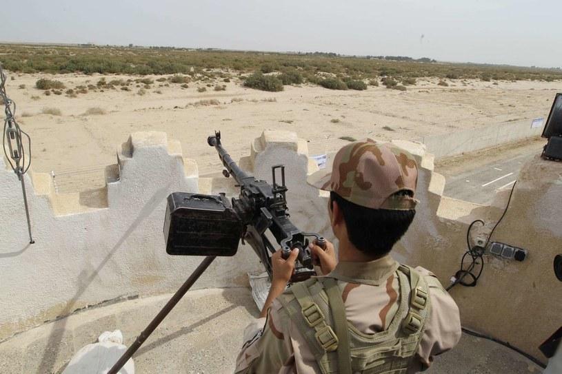 Irańscy strażnicy na granicy z Pakistanem; zdj. ilustracyjne /ATTA KENARE /AFP