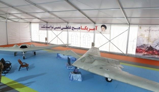 Irański dron obok RQ-170. Fot. defence.pk /materiały prasowe