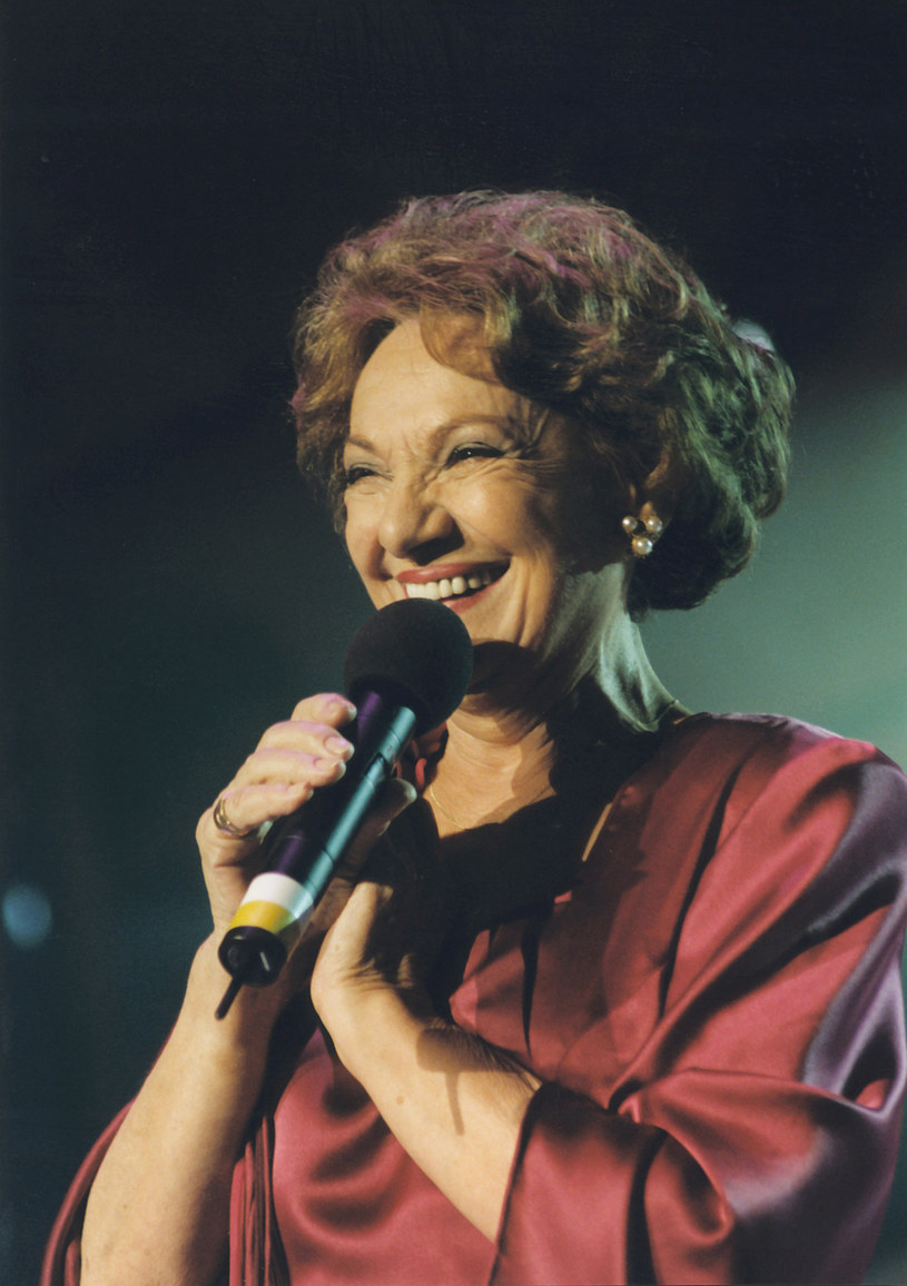 Irena Dziedzic prowadziła również Festiwal Piosenki w Sopocie /AKPA
