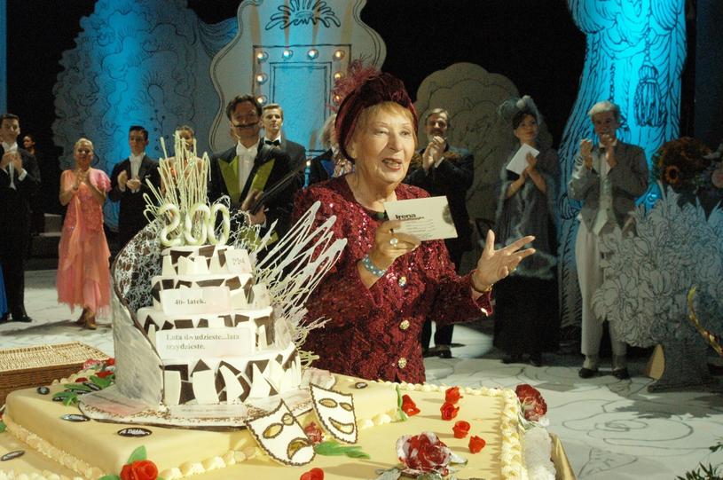 Irena Kwiatkowska w 2002 roku podczas gali zorganizowanej specjalnie dla niej /Tricolors /East News