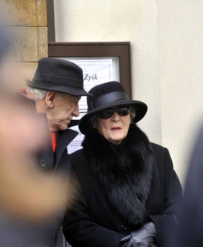 Irena Santor na pogrzebie Zbigniewa Korpolewskiego /Mieczysław Włodarski /Reporter