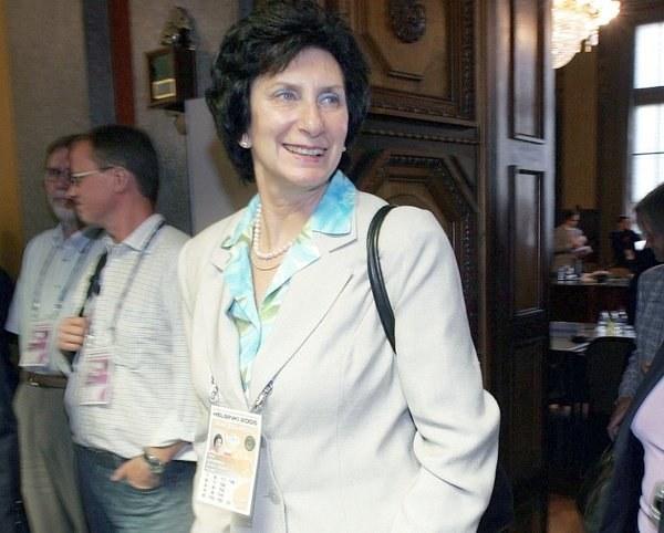 Irena Szewińska od lat na wierchuszcze PKOl-u. /AFP