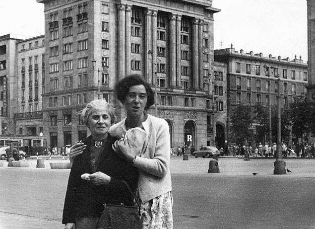Irena z ciocią /archiwum rodzinne Ireny Waniewicz /INTERIA.PL